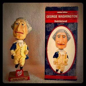 "George Washington ""RACING PRESIDENT"" Bobblehead"